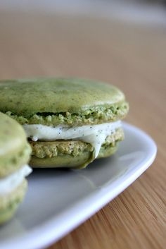 Pistachio Macarons with Vanilla Bean White Chocolate Ganache- made it today, the shells came out great, but the ganache didn't work, the proportions seem to be wrong :-(