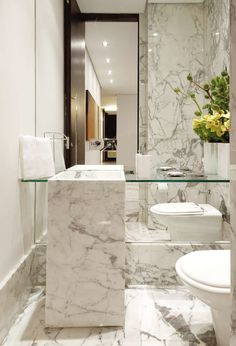 Marble bath with floating dressing table