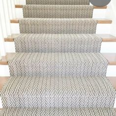 61 Ideas For Stairs Design Carpet Interiors Stairs Design, Living Room Carpet, Carpet Design, Diy Carpet, Patterned Carpet, Carpet Stairs, Interior, Bedroom Carpet, Rugs On Carpet