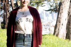 Graphic tee and jeans with a maroon cardigan, easily the comfiest outfit ever.  The Thursday: Jeans + tee + go-to cardigan | Non Basic Blonde