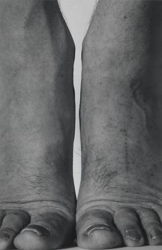 John Coplans 'Self-Portrait (Feet Frontal)', 1984, Photograph, black and white on paper. 1444x938mm © The estate of John Coplans  http://www.tate.org.uk/art/artworks/coplans-self-portrait-feet-frontal-p11670  5 Apri 2015