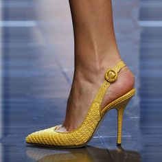 Love love yellow heels www.ScarlettAvery… Love love yellow heels www.ScarlettAvery…lauren marinis gilda pump www.ScarlettAvery…Love love love my new Iriza Loubies! Stilettos, Stiletto Heels, High Heels, Pretty Shoes, Beautiful Shoes, Hot Shoes, Shoes Heels, Heels Outfits, Outfit Jeans