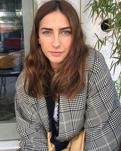 Hazar motan Turkish Women Beautiful, Turkish Beauty, Turkish Fashion, Stitch Fix Outfits, Female Actresses, Turkish Actors, Runway Fashion, Winter Fashion, Fashion Photography