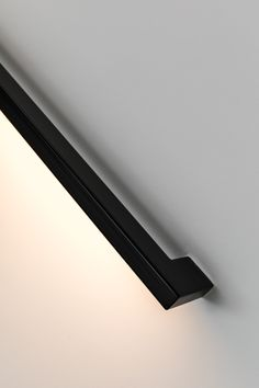 Our handrails are available in different sizes and styles. A handrail is not only functional, but can also be eye-catching. How about integrated LED lighting? Or a bright colour or, conversely, a minimalistic design? Black Stair Railing, Black Stairs, Staircase Handrail, Handrail Ideas, Railing Design, Staircase Design, Building Stairs, Modern Stairs, Interior Stairs
