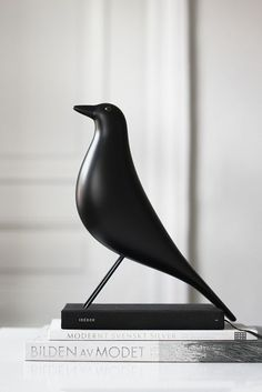 Find out more about the Eames House Bird produced by Vitra to celebrate a piece of Appalachian folk art from the personal collection of iconic modern designers Charles and Ray Eames. Shop the Eames Bird. Luxury Furniture, Furniture Design, Eames Furniture, Furniture Ads, Furniture Showroom, Urban Furniture, Street Furniture, Outdoor Furniture, Deco Furniture