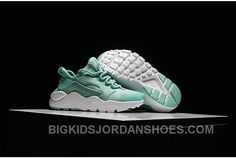 Find the Nike Air Huarache Kids Green For Sale at Pumaslides. Enjoy casual shipping and returns in worldwide. New Jordans Shoes, Kids Jordans, Pumas Shoes, Nike Shoes, Sneakers Nike, Jordan Shoes For Kids, Michael Jordan Shoes, Air Jordan Shoes, Nike Air Huarache