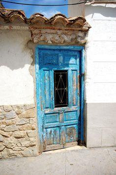 blue door in Spain