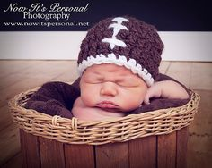 This crochet football beanie hat pattern makes an adorable accessory for everyday wear, or as photo prop! So cute, and perfectly suitable for boys and girls! Crochet Baby Hat Patterns, Crochet Beanie Pattern, Crochet Bebe, Basic Crochet Stitches, Crochet Baby Hats, Crochet Basics, Baby Patterns, Crochet Ideas, Learn Crochet