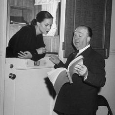 """wehadfacesthen: """"Alfred Hitchcock discusses a scene with Alida Valli during the filming of The Paradine Case in London, 1947 """" Best Director, Film Director, Classic Hollywood, Old Hollywood, Hollywood Glamour, Alfred Hitchcock Quotes, The Searchers, Digital Film, Film School"""
