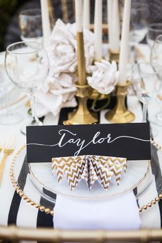 Gold ,black, and white #tablesetting #placesetting