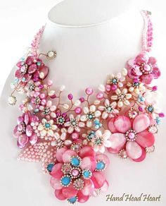 I LOVE all the different shades of PINK in this FUN FUN FUN necklace....-Ang