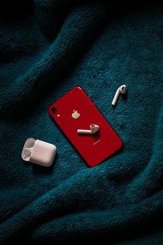 Iphone Lockscreen Wallpaper, Black Wallpaper Iphone, Dandelion Wallpaper, Graphic Wallpaper, Iphone Wallpapers, Iphone 11, Apple Iphone, Free Iphone, Apple Mobile Phones