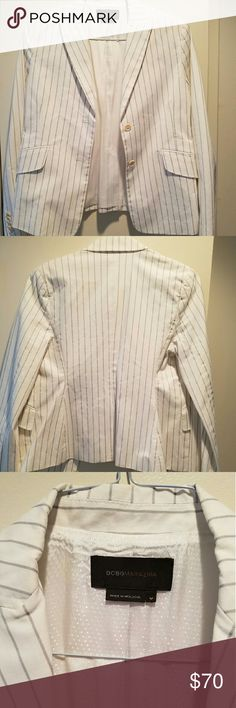 Solid BCBG MAXAZRIA Blazer Classy BCBG MAXAZRIA off white blazer with black stripes. I love this blazer, just a little too small for me. It's perfect with jeans, a pencil skirt, you name it! Great condition. Worn maybe twice at most. It's cleaned and ready to wear!!! BCBGMaxAzria Jackets & Coats Blazers