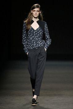 Sita Murt. Colección otoño-invierno 2015/2016. 080 Barcelona 080 Barcelona, Barcelona Fashion, Vogue, Hailee Steinfeld, That Look, Normcore, Seinfeld, Fashion Designers, Spain
