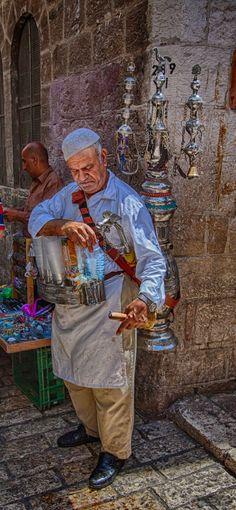 Free tea . Jerusalem
