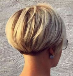 Short Blonde Bob Short Bob Hairstyles 2019 - blonds have more . F U N - Bob HairStyles Pixie Bob Haircut, Pixie Bob Hairstyles, Black Hairstyles, Back Of Bob Haircut, Wedding Hairstyles, Pixie Haircut Styles, 1940s Hairstyles, American Hairstyles, Hairstyles 2018