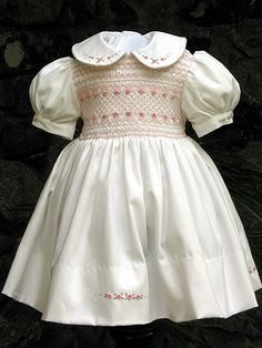 Hand smocked dress by rosgwyn, via Flickr