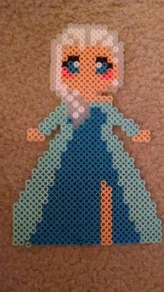 Queen Elsa - Frozen perler beads by AlchemicArtist13