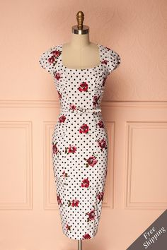 Fitted white retro cocktail dress with polkadots and roses - Robe cocktail rétro ajustée blanche avec pois et roses