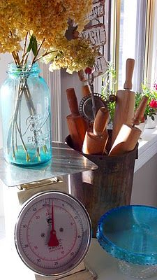 Vintage scale with blue Mason.  Old rolling pins, love.
