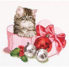 Christmas Kitten (On Aida) - Cross Stitch Kit
