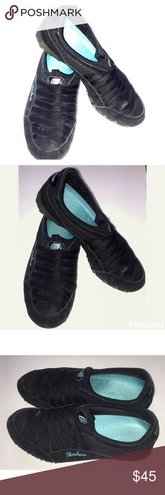 Sketchers slip on shoes Black Sketchers slip on shoes size 6.5 like new so comfy Skechers Shoes Sneakers