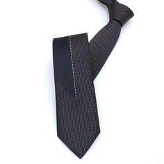 "Brown dotted men's tie 6 cm (2,36"") SL-172. Brown dotted men's necktie SL-172 Width : 6 cm (2,36"") Length : 150 cm (59,06"")."