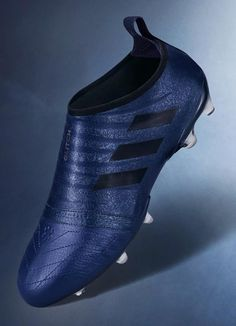 The new Adidas Glitch brings a bold look in purple and black, including a bit of leather in the forefoot part. Adidas Soccer Boots, Adidas Cleats, Adidas Football, Nike Soccer, Black Football Boots, Football Shoes, Best Football Cleats, Soccer Cleats, Best Soccer Shoes