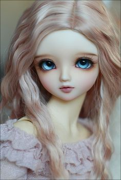 Volks Charlotte by Veroferdi, via Flickr  Such a sweet face! Love the hair.