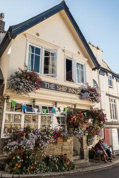 Das Schiff Inn in Fowey - Cornwall, England - Bilder Pins Cornwall England, Fowey Cornwall, Devon And Cornwall, Yorkshire England, Yorkshire Dales, British Pub, British Isles, The Ship Inn, Old Pub
