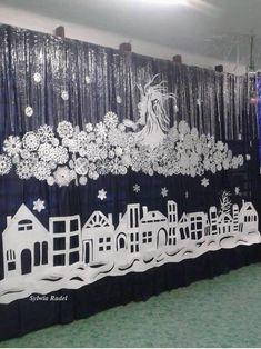 Pin by Tatiana Corciovei on Classroom decor School Door Decorations, Office Christmas Decorations, Christmas Backdrops, Graduation Decorations, Paper Decorations, Christmas Themes, Christmas Diy, Holiday Decor, Christmas Window Display Home