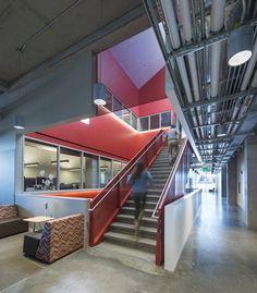 PACCAR Environmental Technology Building  / LMN Architects | Netfloor USA