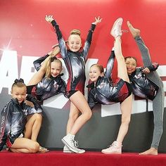 I really miss the minis. ( off of dance moms) Which one do you miss the most? Te… I really miss the minis. ( off of dance moms) Which one do you miss the. Dance Moms Minis, Dance Moms Dancers, Dance Mums, Dance Recital, Dance Moms Season 8, Mom Season 1, Mom Tv Show, Elliana Walmsley, Ballet Kids