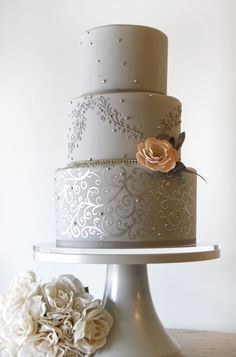 creatied by The Pastry Studio via httpwww.modwedding.com