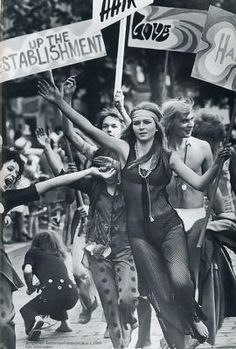 "Blog Le Style NAF NAF. Artículo ""Memorias de moda: Hippie"" http://blog.nafnaf.com.co/content/memorias-de-moda-hippies"