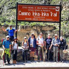 Enquanto não saem os posts no blog (http://ift.tt/1QPLDtp) sobre a Trilha Inca vou postando algumas fotos aqui pra matar a curiosidade de vocês. Esse foi meu grupo pelos últimos dias no início da trilha no km 82 da carretera. \/ #viagemprimata #PrimataNoPeru #trilhainca by viagemprimata