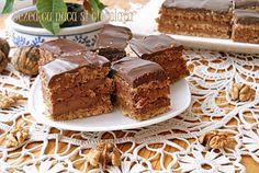 Desert prajitura cu bezea cu nuca si crema de ciocolata