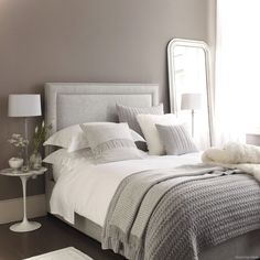Awesome 80 Luxury Bed Linens Color Schemes Ideas https://lovelyving.com/2017/11/12/80-luxury-bed-linens-color-schemes-ideas/ #luxurybedroom #LuxuryBeddingThrow
