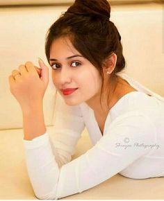 Beautiful Girl Photo, Cute Girl Photo, Girl Photo Poses, Beautiful Girl Indian, Most Beautiful Indian Actress, Girl Poses, Beautiful Actresses, Girls Dp Stylish, Stylish Girl Images