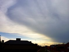 Nubes (Clouds) - Madrid, Madrid, España (Madrid, Spain) - iPhone 4S & HDR Pro Copyright © Juan Hernandez Orea