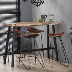 Chique keukenbar voor 4 personen in de set 1 x Bartisch boomrand + 4 x bar squab . Table Design, Dining Room Design, Kitchen Chairs, Kitchen Decor, Table Bar, Breakfast Bar Kitchen, Live Edge Table, Upholstered Chairs, Farmhouse Table
