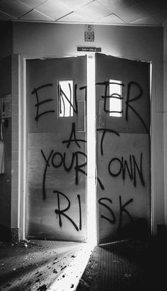 56 Trendy ideas for red door insidious Comic Cat, Creepy, Scary, Arte Horror, Black And White Aesthetic, Dark Photography, Dark Wallpaper, The Villain, Aesthetic Grunge