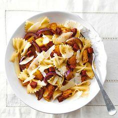 Recept - Pasta met pompoen en salami - Allerhande