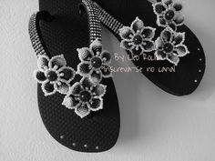 Search Results Chinelos bordados Beaded Shoes, Beaded Jewelry, Decorating Flip Flops, Glass Slipper, Hair Bows, Casual Shoes, Slippers, Beads, Handmade