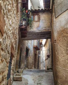 La imagen puede contener: exterior e interior Wonderful Places, Beautiful Places, Country Lifestyle, Valencia, Costa, Tourism, Spain, Places To Visit, Exterior
