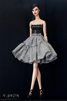 2015 August Fashion Look 1 Barbie Fashionista, Diy Barbie Clothes, Doll Clothes, Fashion Royalty Dolls, Fashion Dolls, Barbie Mode, Manequin, Barbie Patterns, Barbie Dress