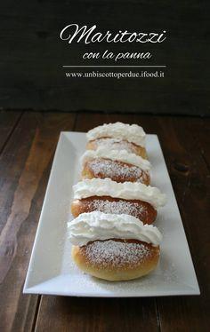 Mini Desserts, Biscotti, Hamburger, Cravings, Sweets, Bread, Semi, Food, Breads
