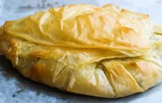 Mustard Cod Puff - votes) Today I bring you a recipe you can make individually or in large format like the one - Portuguese Recipes, Portuguese Food, Spanakopita, Food Inspiration, Cod, Mustard, Food And Drink, Bread, Snacks