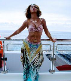 Qual Celebridades Tiveram As Férias Mais Invejáveis? http://wnli.st/20AnDhW #Beyonce