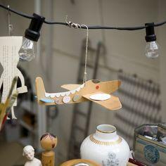 diy avión de cartón cartulina cardboard airplane manualidades niños kids children craft miraquechulo